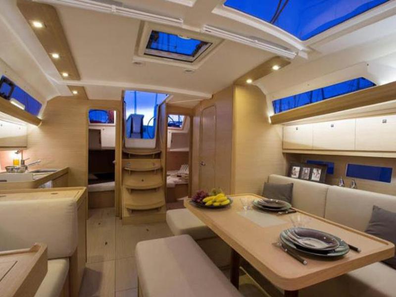 bluesail - Interior image