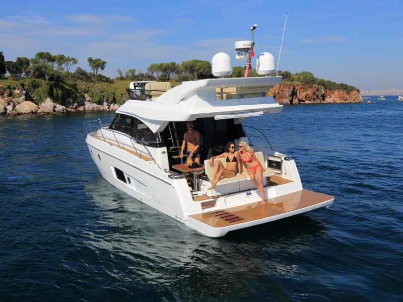 Bavaria Virtess 420 Fly[G], Powerboat
