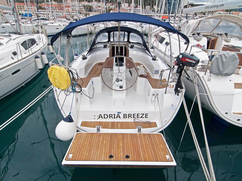 Adria Breeze Bavaria Cruiser 33