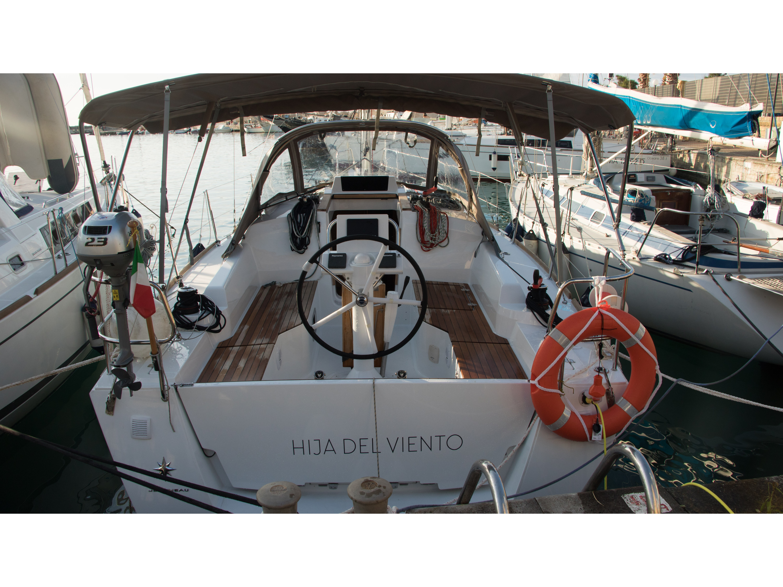 Hija del Viento Sun Odyssey 319