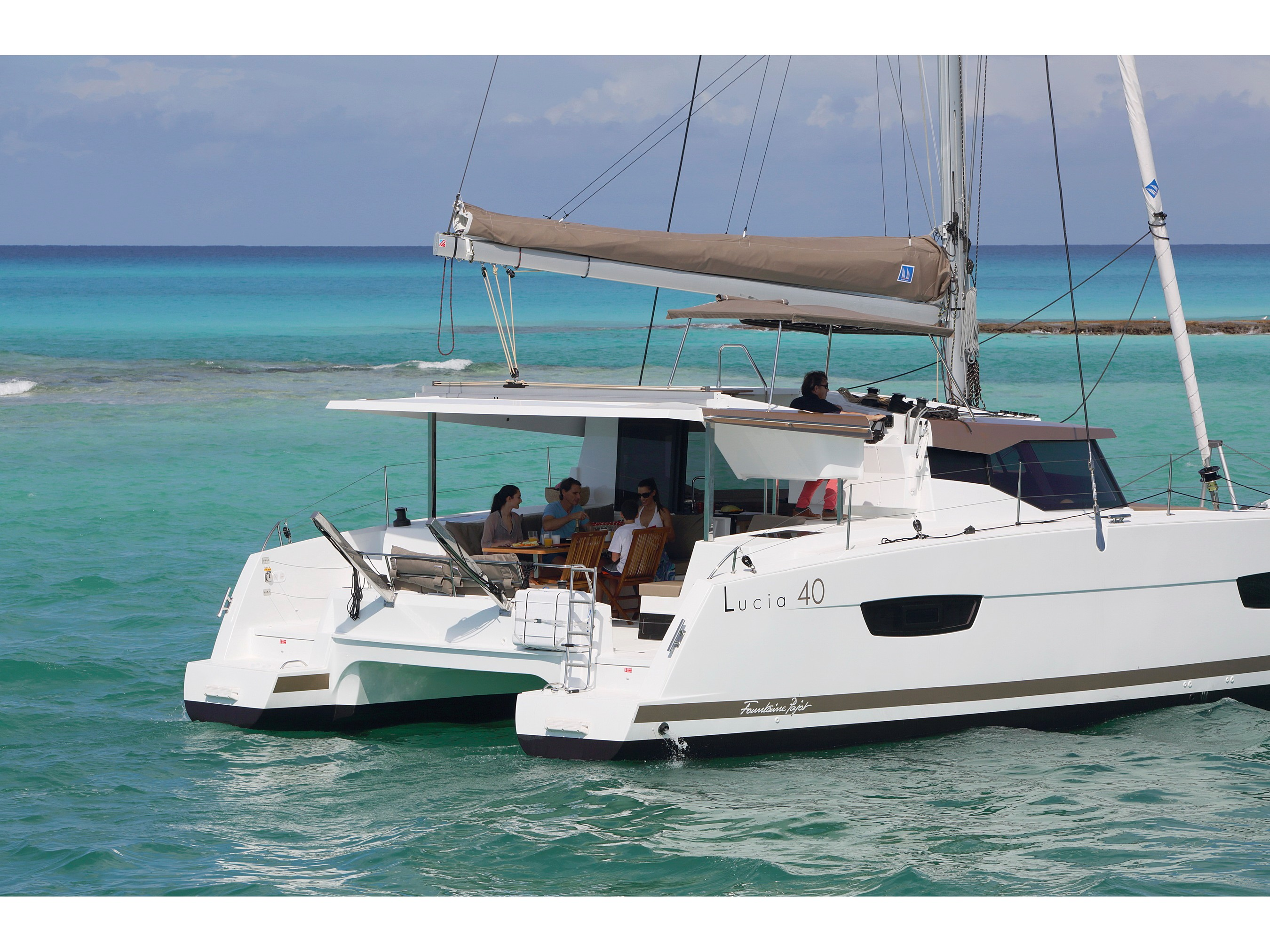 Lucia 40 owner version