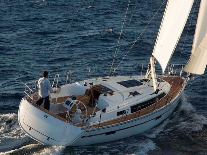 Eagle Ray Bavaria 37 Cruiser