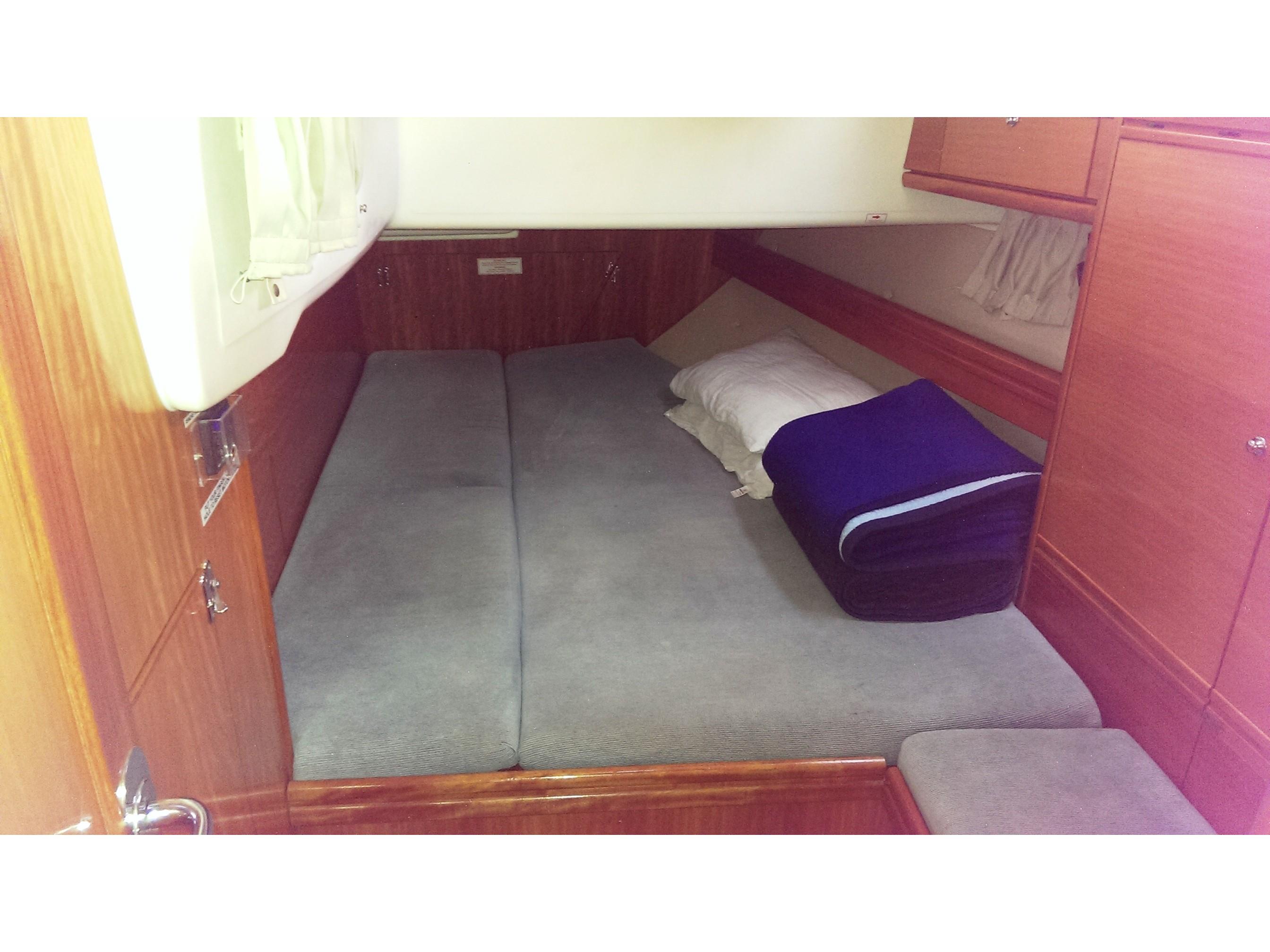 Cabin charter-Bavaria 50 Cabin 5 (double cabin)