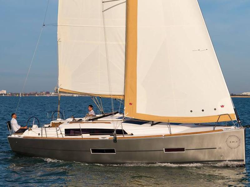 Dufour Yachts 8