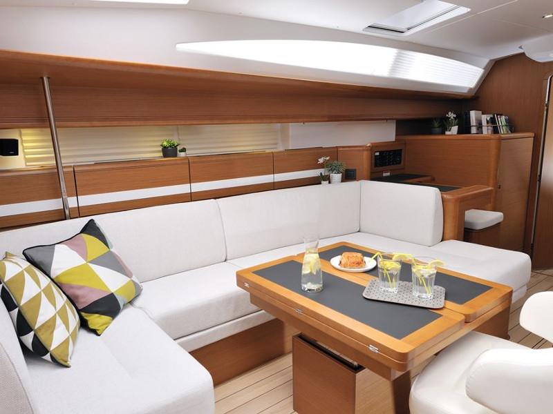 Jeanneau 53 (6 cab), Athenian Yachts