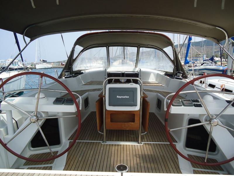 Jeanneau 53 (5 cabs), Athenian Yachts