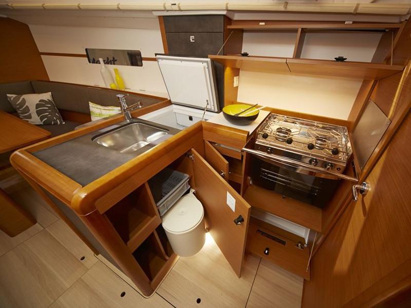 Sun Odyssey 349, Athenian Yachts