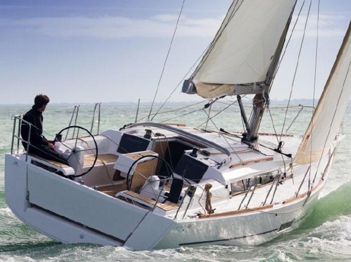 """Dufour 350 """"White Pearl"""", Marmaris"""