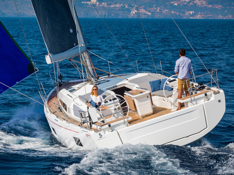 Oceanis 46.1 with A/C