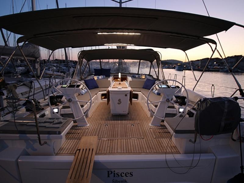 Oceanis 51.1 First Line, Jezera