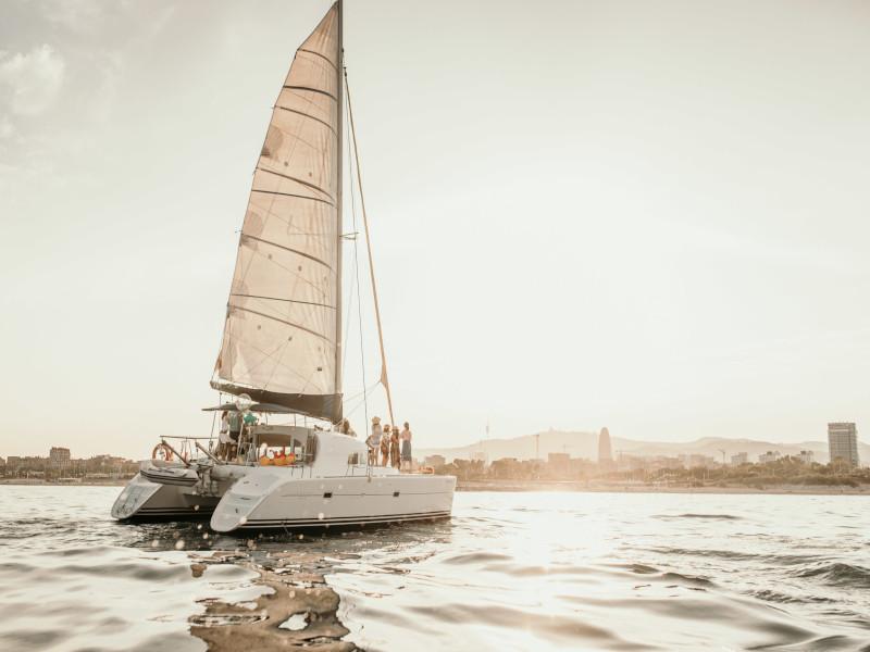 Lagoon 400, Barcelona
