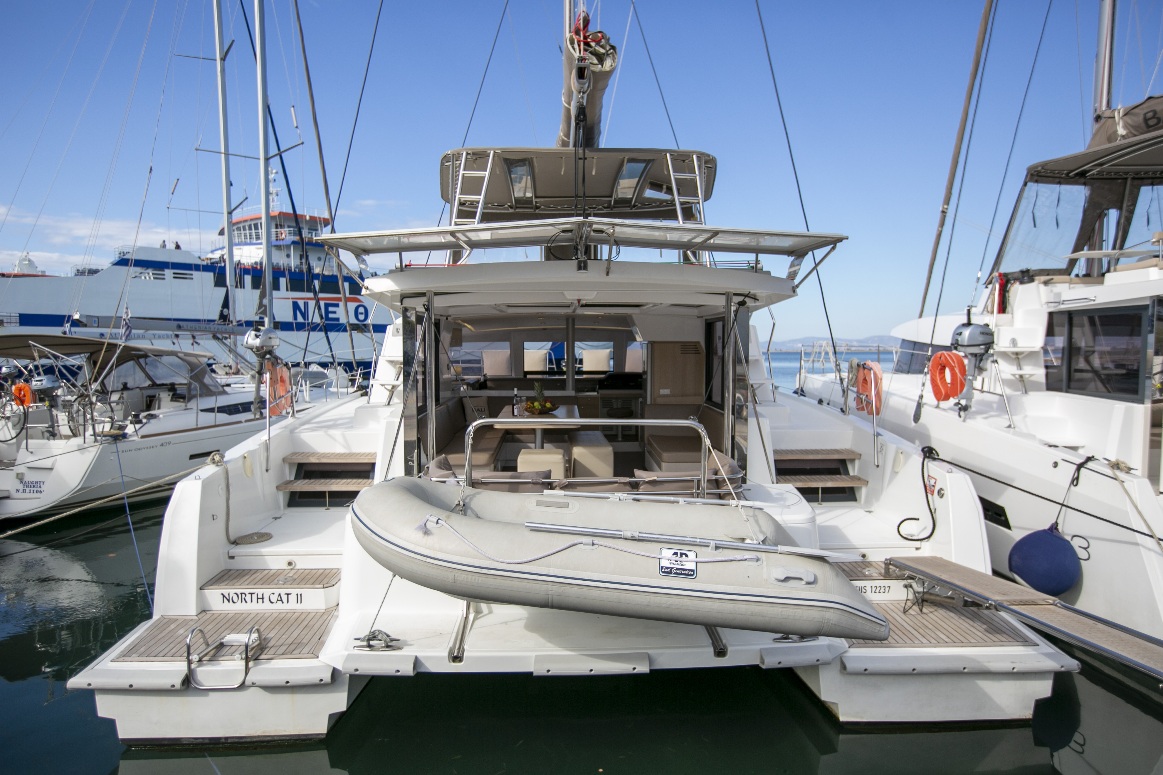 North Cat II / with air-condition, generator & watermaker