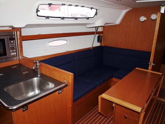 S/Y - Bavaria 35 Cruiser - 3 Cabins - Built 2009