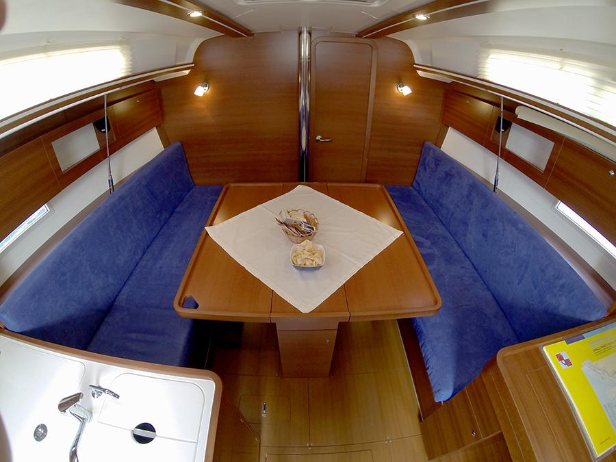 Dufour 335 GL saloon table