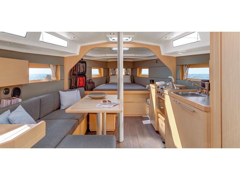 Oceanis 38 (3 cabins)